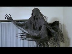 How To Make A Dementor! DIY Wraith Harry Potter Party Idea! - YouTube