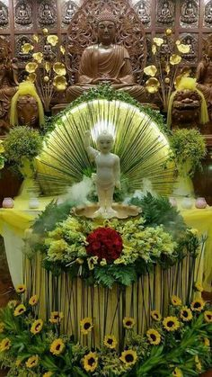 Creative Flower Arrangements, Church Flower Arrangements, Floral Arrangements, Buddha Flower, Baby Buddha, Wedding Decorations, Floral Decorations, Zen Meditation, Krishna Art
