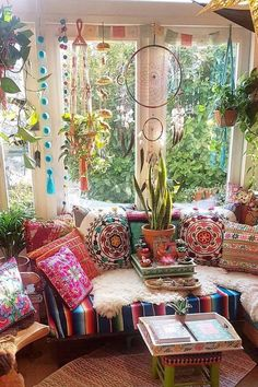 Make your Living room all the more beautiful, cozy, relaxing & boho chic with a bohemian decor. Here are the best Bohemian living room decor ideas for Bohemian Living Rooms, Bohemian Bedroom Decor, Bohemian House, Boho Home, Boho Decor, Hippie Living Room, Hippie House Decor, Bohemian Style Rooms, Bohemian Interior Design