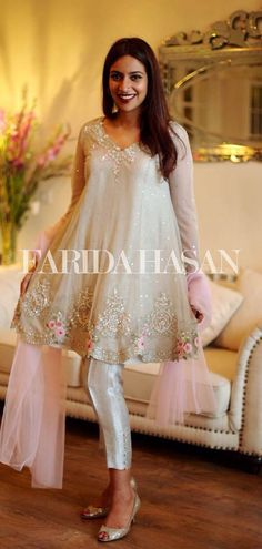 Latest Designs Pakistani Fashion Short Frocks With Capris 2019 Pakistani Bridal, Indian Bridal, Pakistani Outfits, Indian Outfits, Latest Pakistani Fashion, Ethnic Fashion, Asian Fashion, Short Frocks, Ladies Fancy Dress