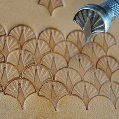 Small Peacock Shell Geometric