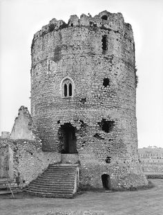 General view of the Great Keep, Pembroke Castle