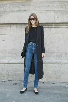 High-waist denim + long coat.