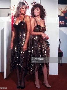 News Photo : Portrait of Linda Evans and Joan Collins Joan Collins, Hollywood Story, Classic Hollywood, Classic Tv, Classic Beauty, Der Denver Clan, The Sweetest Thing Movie, Young Marilyn Monroe, Linda Evans