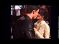 Shawn & Camila caught kissing.