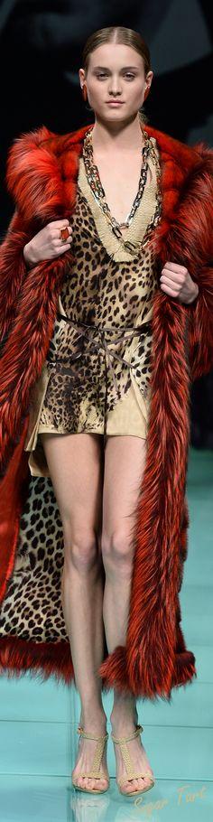 Carlo Tivioli - Fall 2015 only in fake fur! Leopard Fashion, Animal Print Fashion, Fur Fashion, Autumn Fashion, Animal Prints, Fabulous Furs, Glamour, Stylish Dresses, Catwalks