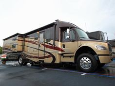 Gypsy Living Traveling In Style  Serafini Amelia  A Gypsy Travels  RV  Forest River Dynamex - Take the 2014 RV Tour on HGTV