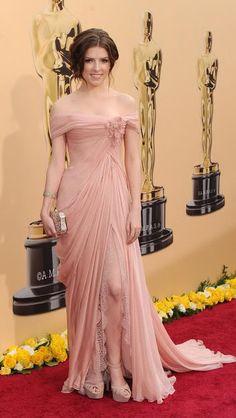 Anna Kendrick 2010 Oscars, Academy Awards #celebrities #celebrityfashion #redcarpet