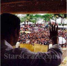 Salman Khan Celebrates Eid With His Family And Fans | StarsCraze