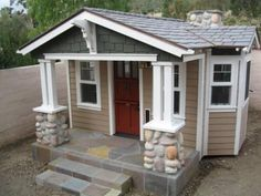 Lightweight roofing solutions for playhouses