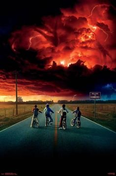 Stranger Things is one of the most trending shows. With our collection of best Stranger Things poster, we've tried to capture all the amazing moments. Stranger Things Netflix, Poster Stranger Things, Stranger Things Tv Series, Stranger Things Aesthetic, Stranger Things Season 3, Stranger Things Funny, Teen Wolf Saison 6, Sky Bike, Vintage Cartoon