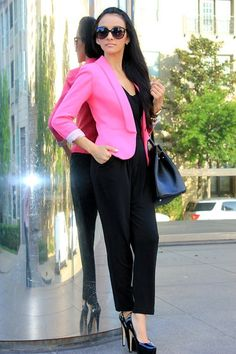 All black with a pop of NEON pink! BAM~!