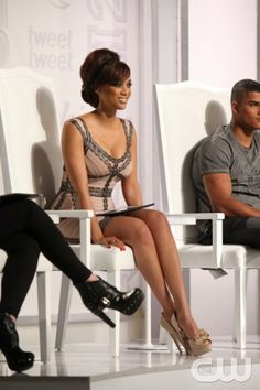 """America's Next Top Model -- """"The Guy who Gets a Weave"""" pictured: Tyra Banks Cycle 20 Photo: Patrick Wymore/The CW ©2013 The CW Network, LLC. All Rights Reserved"""
