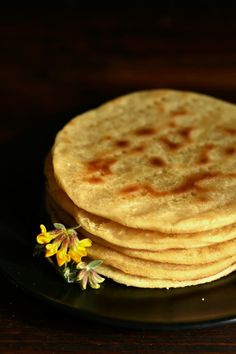 Pizza Mania, Naan, Crackers, Italian Recipes, Glutenfree, Pancakes, Food And Drink, Breakfast, Ethnic Recipes