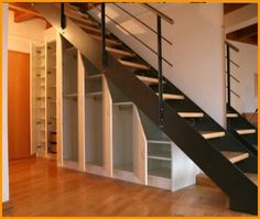 plaatsbesparende kast onder trap hal pinterest trap