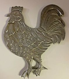 Large Rooster Trivet Silver Metal 11 Inch Country/Farmhouse/Rustic Kitchen Decor #Unbranded Country Kitchen Farmhouse, Rustic Farmhouse Decor, Farmhouse Kitchen Decor, Rustic Decor, Chicken Kitchen Decor, Pig Kitchen, Kitchen Dishes, Rooster, Silver Metal