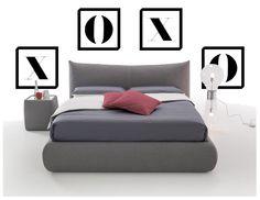 cadres autour du lit et de la table de chevet comment disposer les cadres dans une chambre autour et au dessus du lit décoration intérieur
