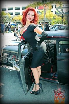 Pin-up Gia Genevieve.