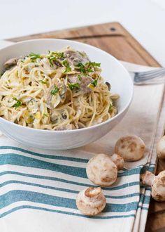 Creamy Leek and Mushroom Pasta | Neighborfoodblog.com #vegetarian #meatless