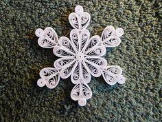 Mini Stachelbesetzter Schneeflocke Queen of Hearts von joanscrafts