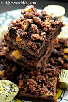 Reese's Hot Fudge Bars  http://backforsecondsblog.com #dessert  #fudge #peanutbuttercups #chocoloate