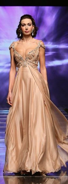 POSSIBLE DOUBLE!  Mireille Dagher ~ #dress night dresses
