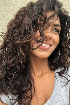 14 Must-Try Hairstyles for Long Curly Hair Curly Hair_Side-Swept Layers - Station Of Colored Hairs Side Swept Hairstyles, Permed Hairstyles, Layered Hairstyles, Hairstyles 2016, Natural Curl Hairstyles, Beautiful Hairstyles, Easy Hairstyles, Curly Lace Front Wigs, Curly Wigs