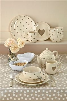 Fast And Easy Summer Decor Dinner Sets, Deco Table, Decoration Table, Valentine's Day, Tea Set, Tea Party, Kitchen Decor, Kitchen Display, Tea Cups