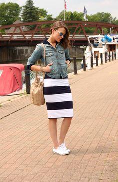 white black stripe skirt denim jacket black sweatshirt sperrys
