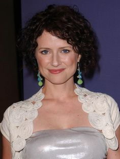 Jean Louisa Kelly Short Curly Hair, Curly Hair Styles, Jean Louisa Kelly, Lotus, Actresses, Women, Female Actresses, Lotus Flower, Short Curled Hair