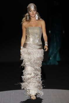 Sonia Peña #BarcelonaBridalWeek 2014 runway. Desfile de Sonia Peña en la #BarcelonaBridalWeek 2014 #Bride #Barcelona #Bridal #Fashion http://www.barcelonabridalweek.com/en/