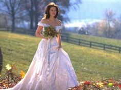 Runaway Bride . (1999) | 48 Of The Most Memorable Wedding Dresses From The Movies