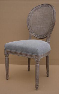 MARABIERTO - Silla Roundback con respaldo esterillado y tapizado gris piedra (algodón)