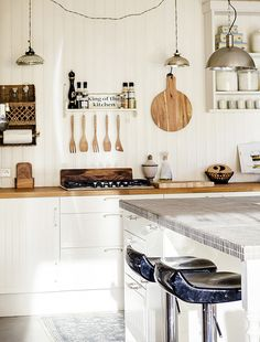 4 easy ways to declutter your kitchen so you'll actually want to cook up a storm
