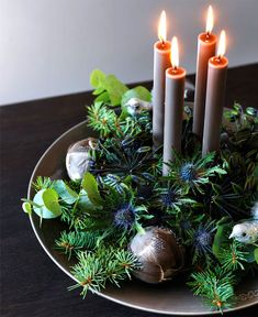 Advent DIY l Adventskranz zu Weihnachten basteln ❤ Christmas Advent Wreath, Decoration Christmas, Noel Christmas, Xmas Decorations, Christmas 2019, Christmas Crafts, Holiday Decor, Christmas Colors, Elegant Christmas