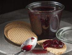 Μαρμελάδα κεράσι | Συνταγή | Argiro.gr - Argiro Barbarigou Food Categories, Jelly, Panna Cotta, Sweet Tooth, Cheesecake, Pudding, Sweets, Canning, Ethnic Recipes
