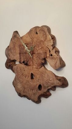 dar design  שעון עץ. Live edge wood clocks