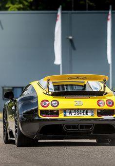Bugatti Veyron Dark and Yellow