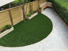 seating area with venetian panel why not use a fence panel to create a garden room garden ideas pinterest