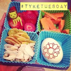 #tyketuesday  Strawberries. Carrots. Plantain chips. Coconut flakes/almond slices. Hard boiled egg. Spring Break is defiantly over!!  #paleo #hashtagpaleo #kidapproved #grainfree #dairyfree #jerf #progressnotperfection #liontime #gerrrrrrr #schooldays #schoollunch #bentobox K