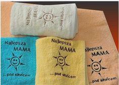 Cyprys #ręcznik_bawełniany 70x140 Przepiękny ręcznik bawełniany z oryginalnym haftem.Wysokiej jakości produkt,bardzo dobrze pochłania wodę.Będzie świetnym prezentem dla każdej mamy.  Rozmiar: Szerokość: 70cm Długość: 140cm  Kolory: -kremowy(1) -żółty(2)  kasandra.com.pl