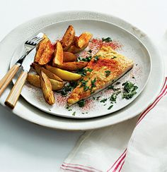 Hummus-topped angel fish with cayenne-dusted potato wedges New Recipes, Soup Recipes, Butternut Soup, Midweek Meals, Potato Wedges, Fresh Coriander, Angel Fish, Just Cooking