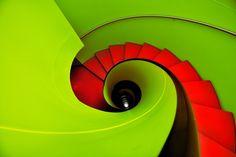 Stair et haut - Eric Forey Vinyl Storage, Stair Storage, Architecture Details, Modern Architecture, Stair Lift, Fibonacci Spiral, Minimal Photography, Design Research, Stairway To Heaven