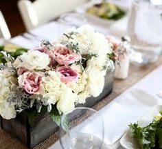 box vase and Burlap Table Runners