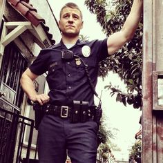 Ben McKenzie in Southland Cop Uniform, Men In Uniform, The Oc, Gotham, Sherlock, Benjamin Mckenzie, Ripped Body, Hot Cops, Hot Hunks