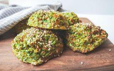 Broccoliboller - sunde og mættende boller – Mummum.dk Low Carb Recipes, Vegetarian Recipes, Cooking Recipes, Healthy Recipes, Food N, Good Food, Food And Drink, Low Cal Lunch, Creme