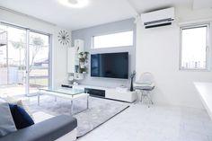 洗練されたスタイルを演出しよう!オシャレでモダンな「グレーインテリア」をご紹介します | folk Small Room Design, Contemporary Architecture, House Design, Living Room, House Styles, Storage, Simple, Modern, Furniture