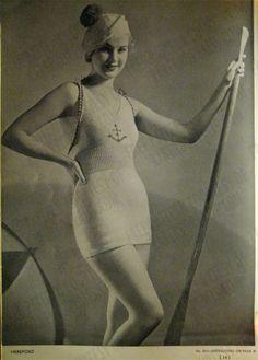 FREE Vintage Nautical Bathing Suit (Swimsuit) and Beach Ensemble Knitting Pattern / Tutorial