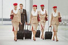 『 世界一おしゃれな客室乗務員の制服』エミレーツ航空(Emirates)画像