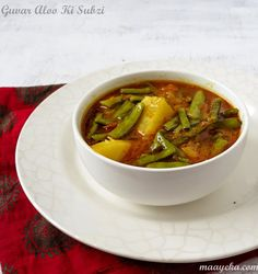 Maayeka - Authentic Indian Vegetarian Recipes: Guvar Phali aur Aloo ki Subzi / Cluster beans and potatoes in a tomato broth